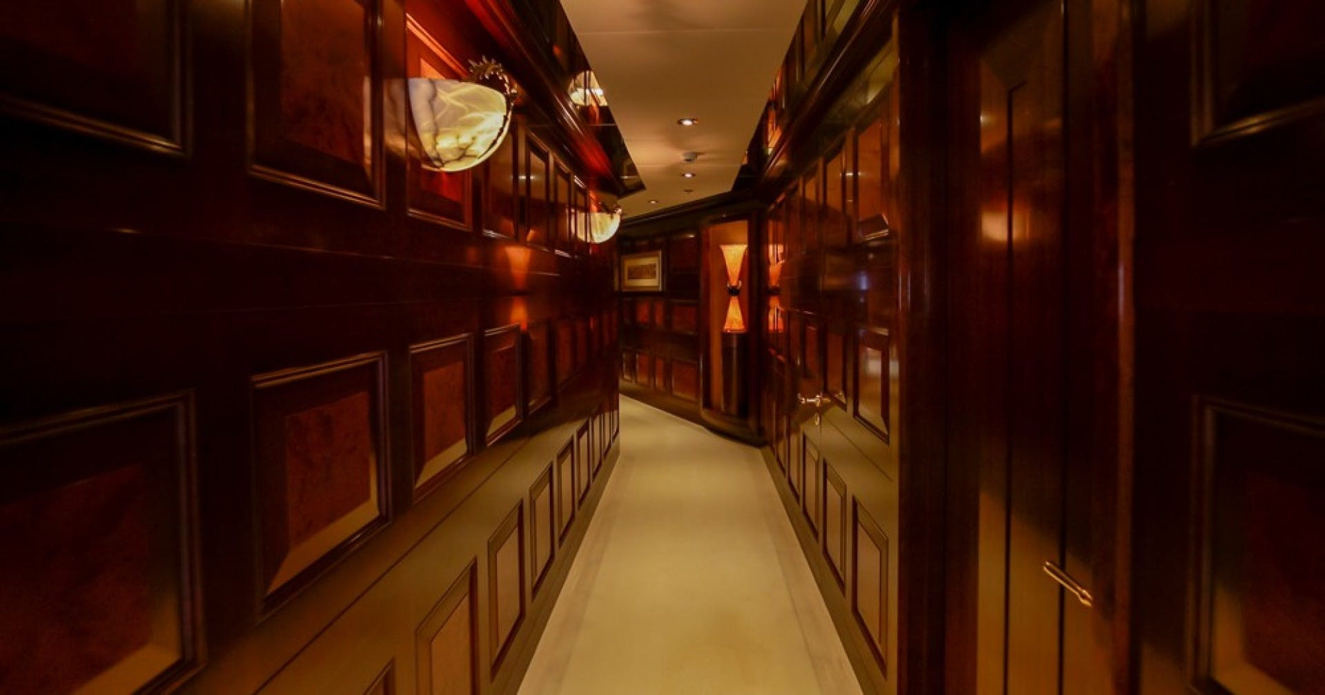 2005 Feadship 198'  BLUE MOON   Picture 6 of 84