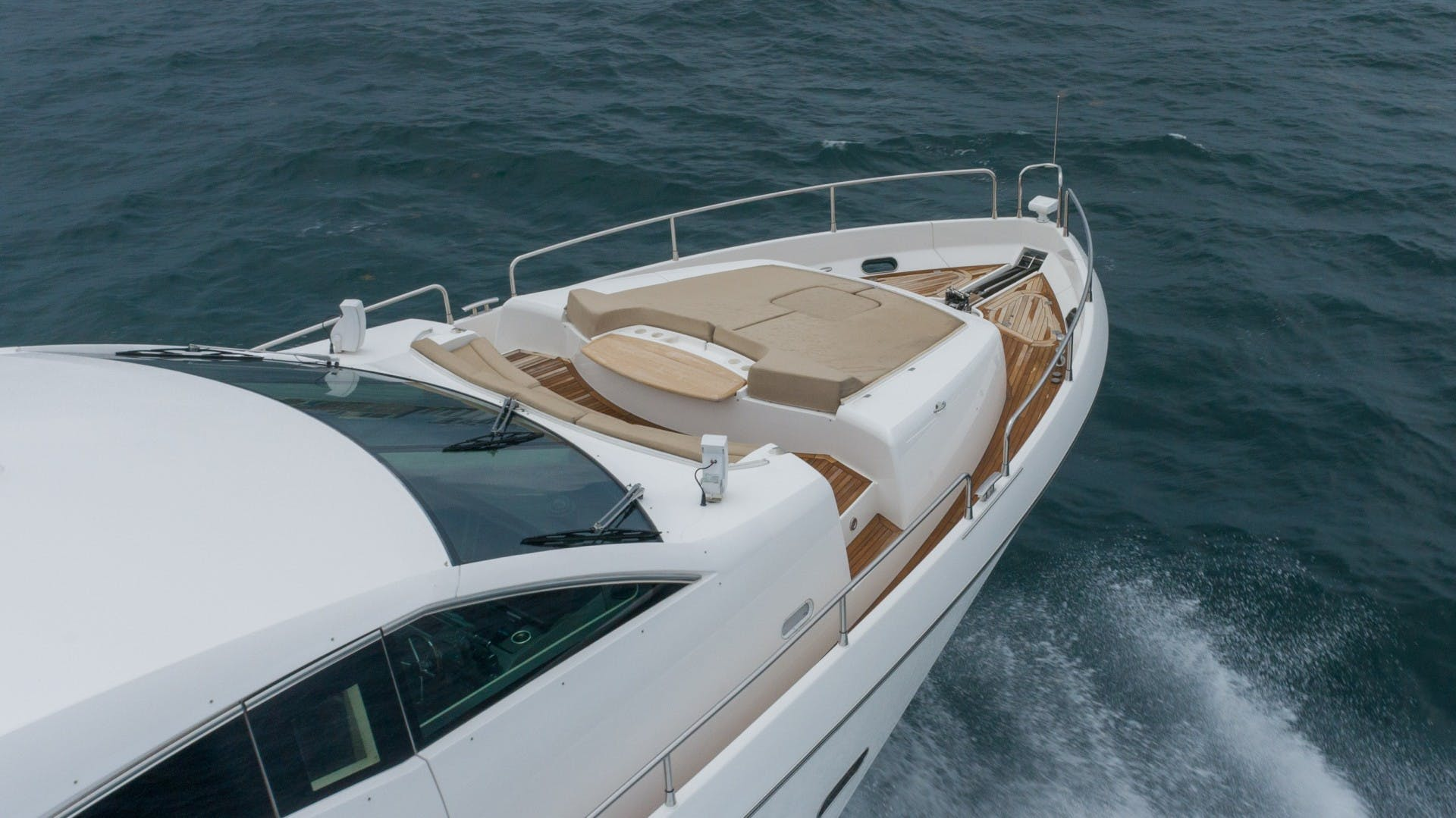 2010 Sunseeker 88'  Splashed Out   Picture 6 of 51