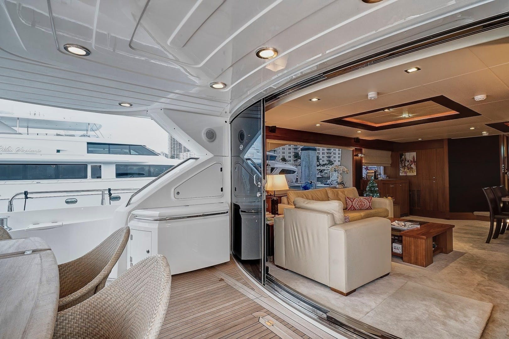 2010 Sunseeker 88'  Splashed Out | Picture 3 of 34