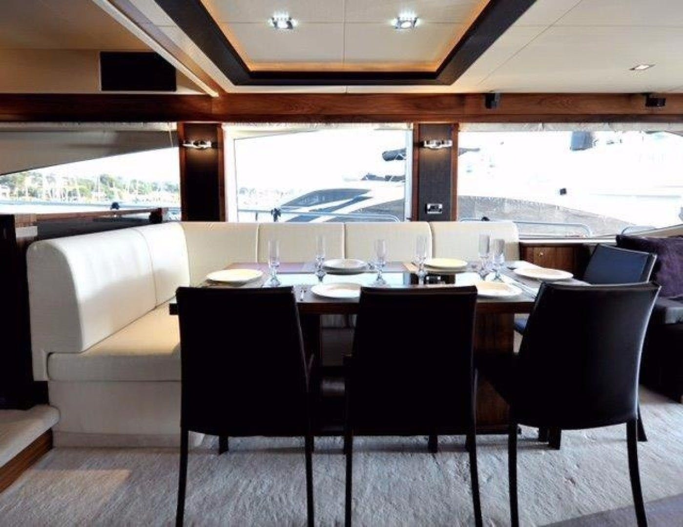2010 Sunseeker 88'  Splashed Out | Picture 4 of 34