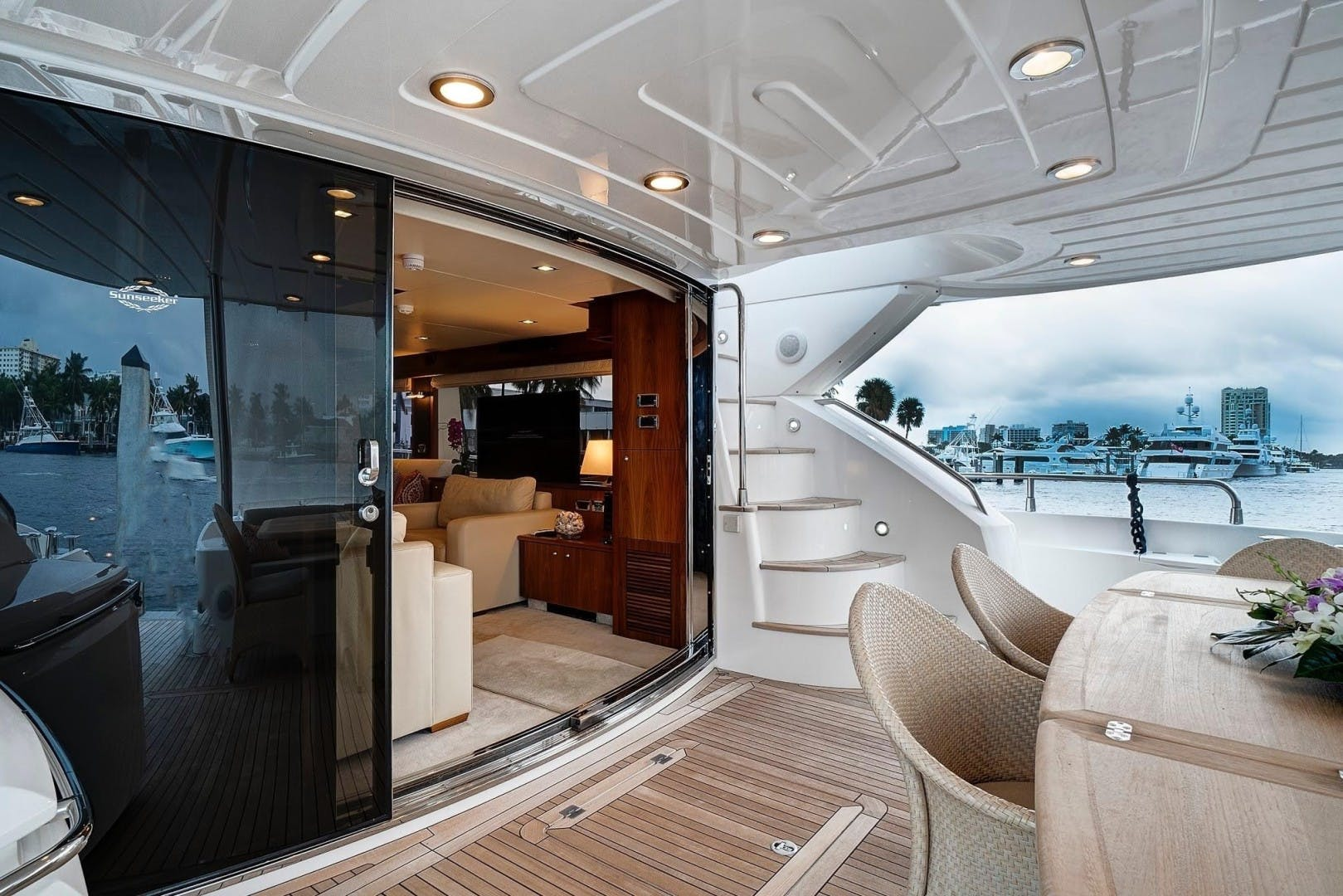 2010 Sunseeker 88'  Splashed Out | Picture 7 of 34