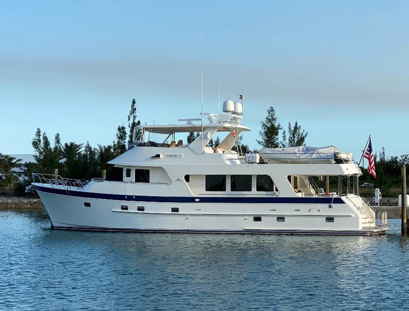 70' Outer Reef Yachts 2012 70 Loungeitude