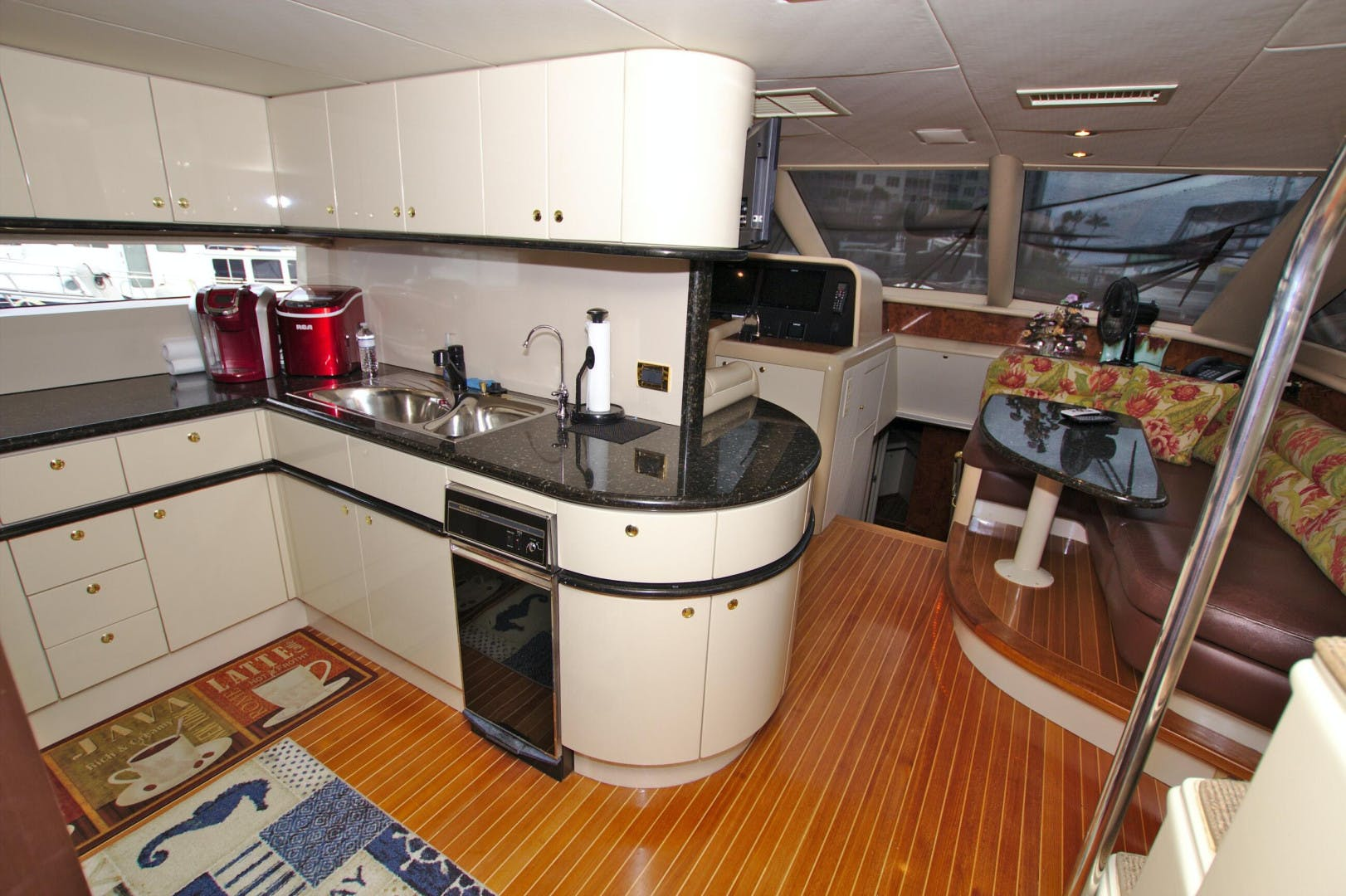 1995 Lazzara Yachts 76' 76 GRAND SALON Christmas Spirit | Picture 2 of 106