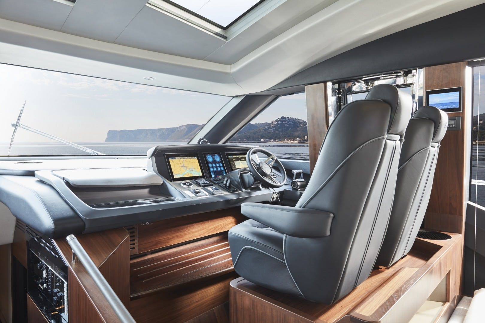 2022 Princess 78'  Available Soon   Picture 6 of 13