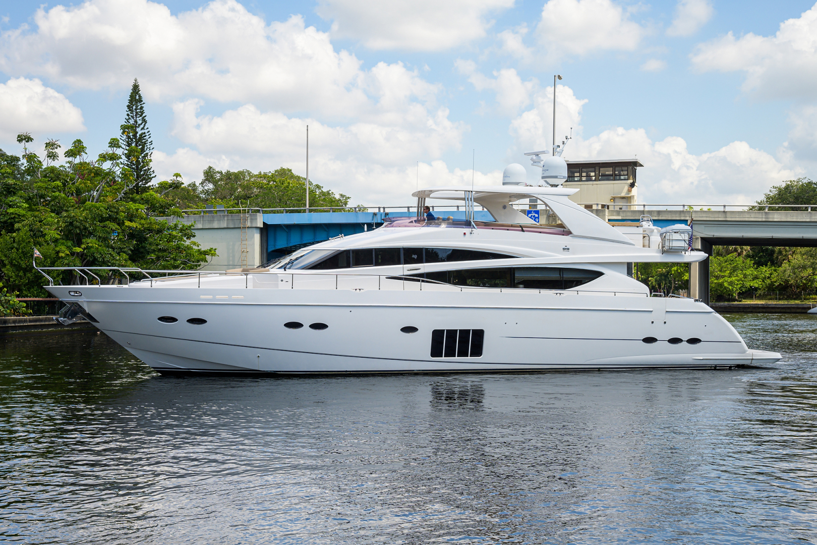 85' Princess 2012 Motor Yacht Praying for Overtime ll