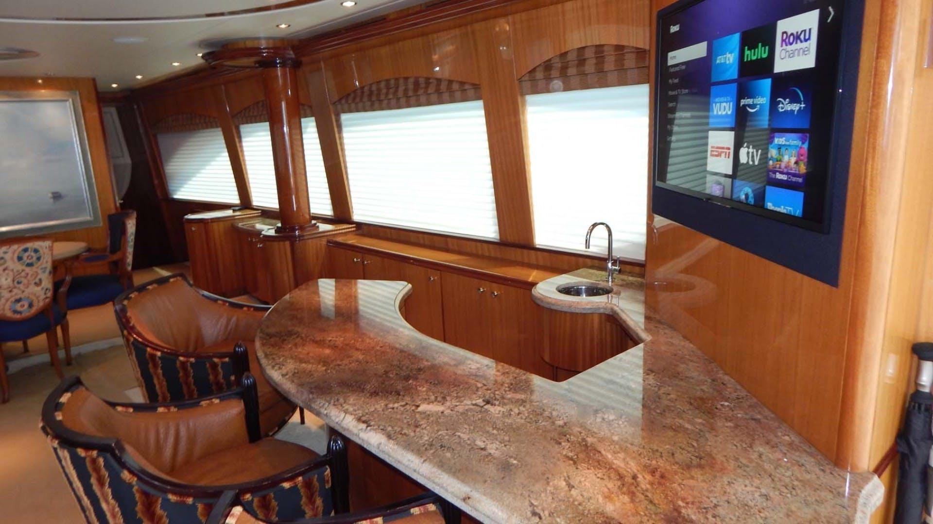2007 Hatteras 80' 80 Motor Yacht Lady Carolina | Picture 7 of 45