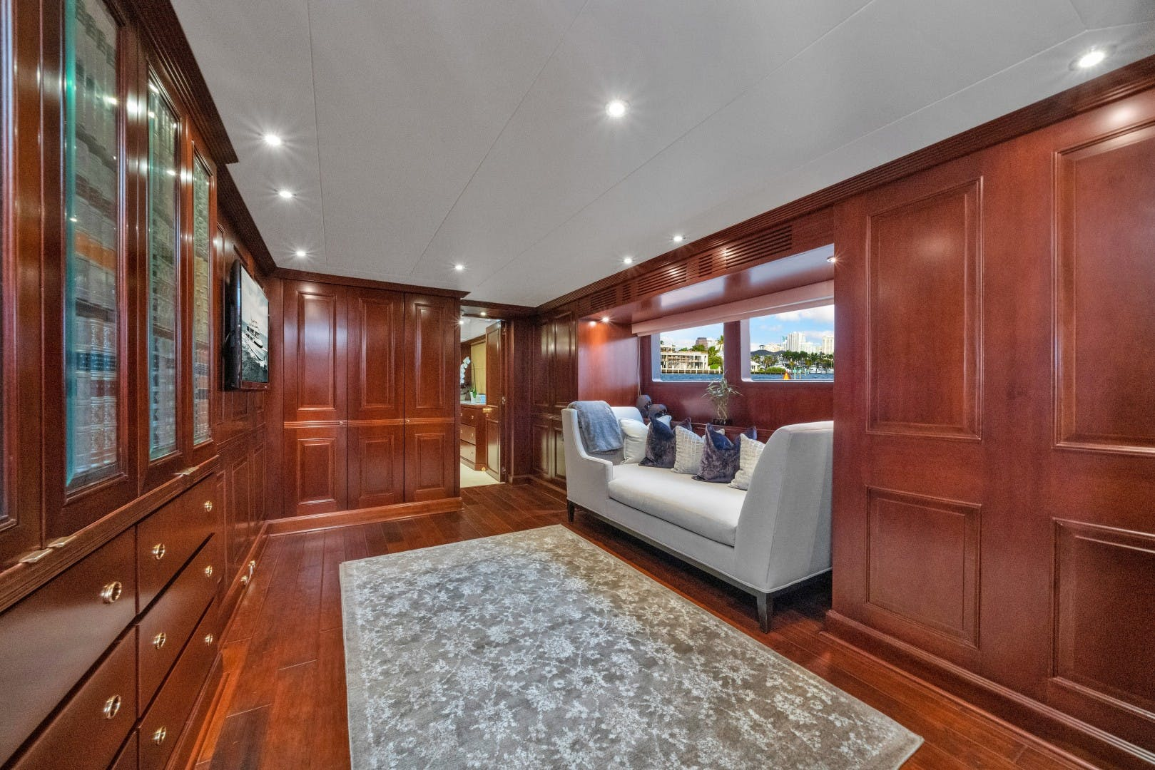 1989 Benetti 151'  LADY S | Picture 5 of 42