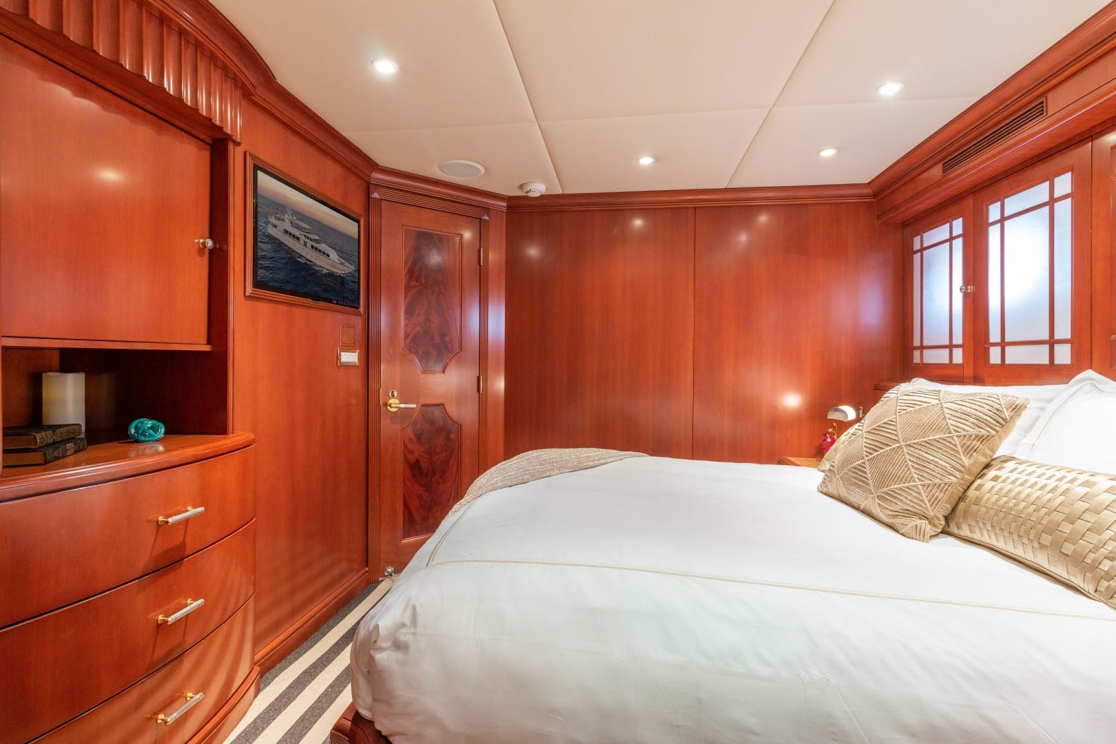 2002 Trinity Yachts 124' Raised Pilothouse HAVEN | Picture 3 of 46