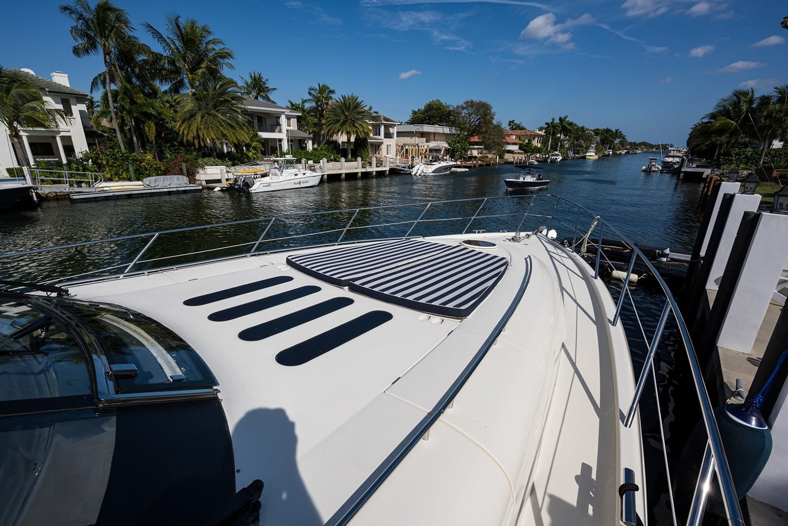 2002 Princess 65' Viking Sport Cruisers V65 Small Change | Picture 5 of 65