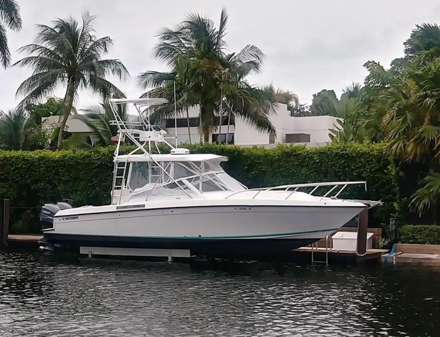 35' Contender 1999 Express Side Console NO NAME