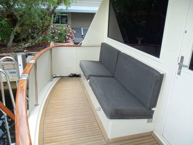 1987 Hatteras 63' Flush Deck Flybridge Motor Yacht GAS PASSER | Picture 6 of 82