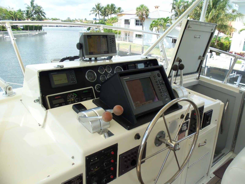 1987 Hatteras 63' Flush Deck Flybridge Motor Yacht GAS PASSER | Picture 3 of 82