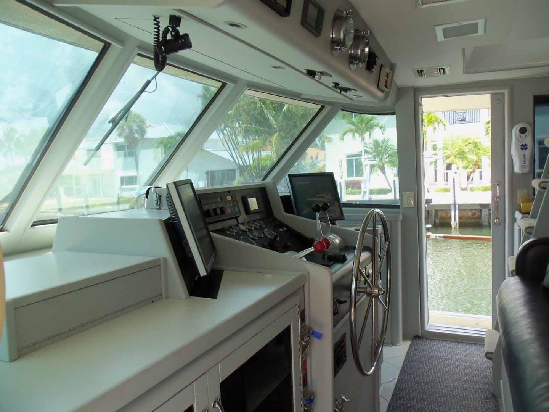 1987 Hatteras 63' Flush Deck Flybridge Motor Yacht GAS PASSER | Picture 2 of 82