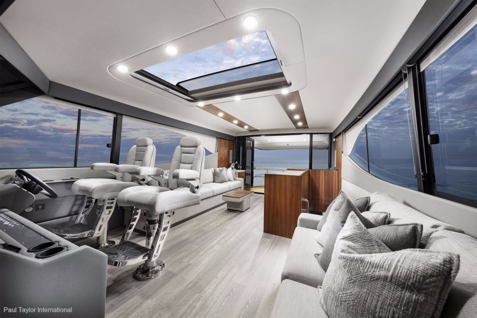 2021 Maritimo 70' M 70   | Picture 6 of 14