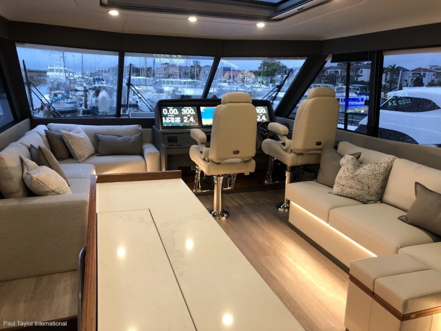 2021 Maritimo 70' M 70   | Picture 7 of 14