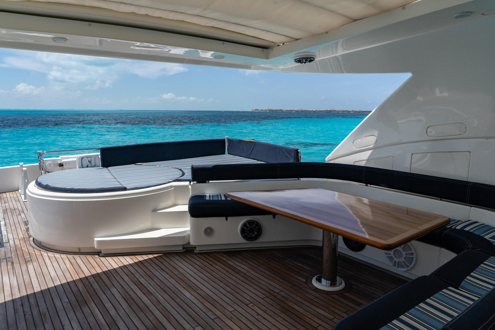 2008 Ferretti Yachts 88' 881 Fortis II | Picture 8 of 123