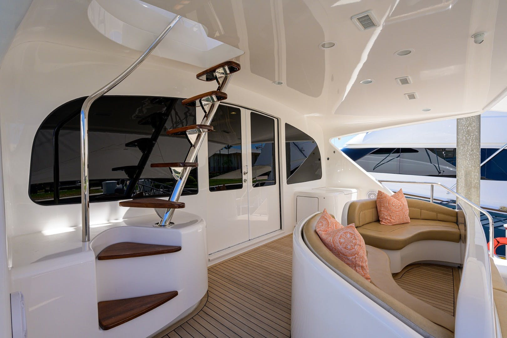 2016 Viking 92'  COMPLETELY KNOTS | Picture 2 of 61