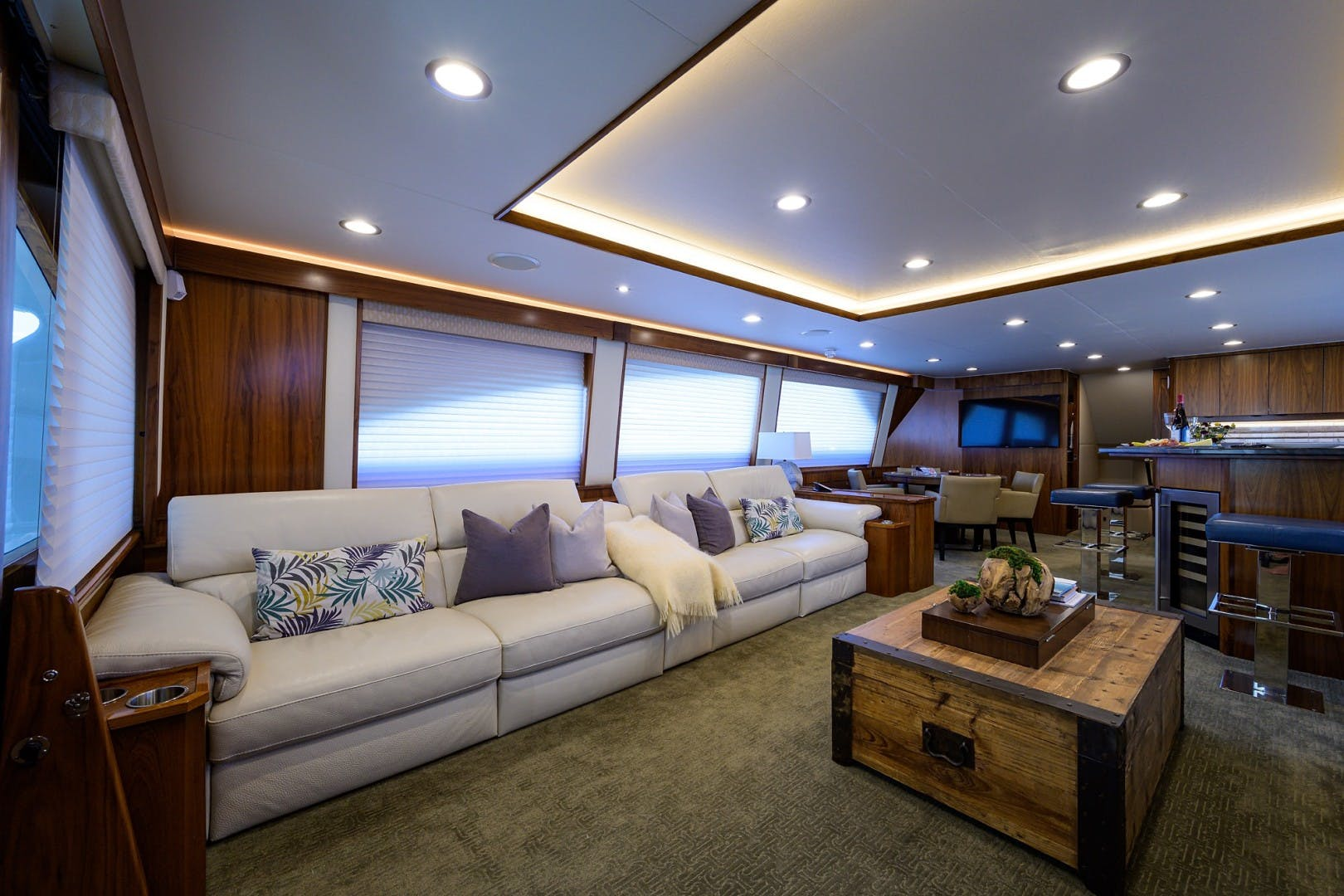 2016 Viking 92'  COMPLETELY KNOTS | Picture 3 of 61
