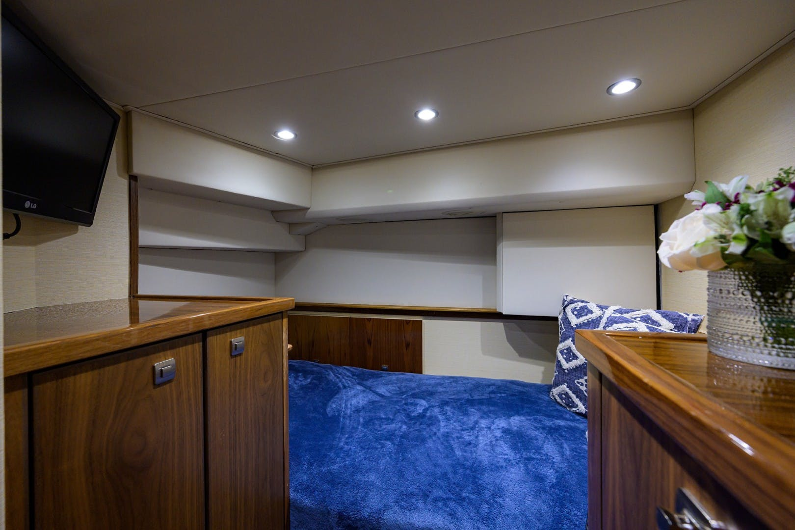 2016 Viking 92'  COMPLETELY KNOTS | Picture 6 of 61