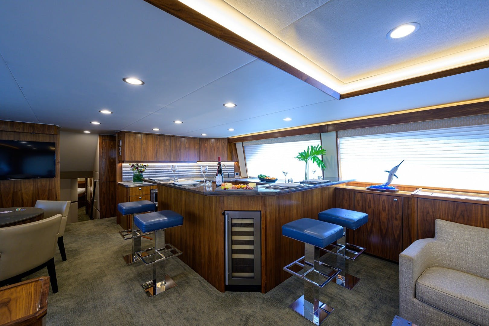2016 Viking 92'  COMPLETELY KNOTS | Picture 8 of 61