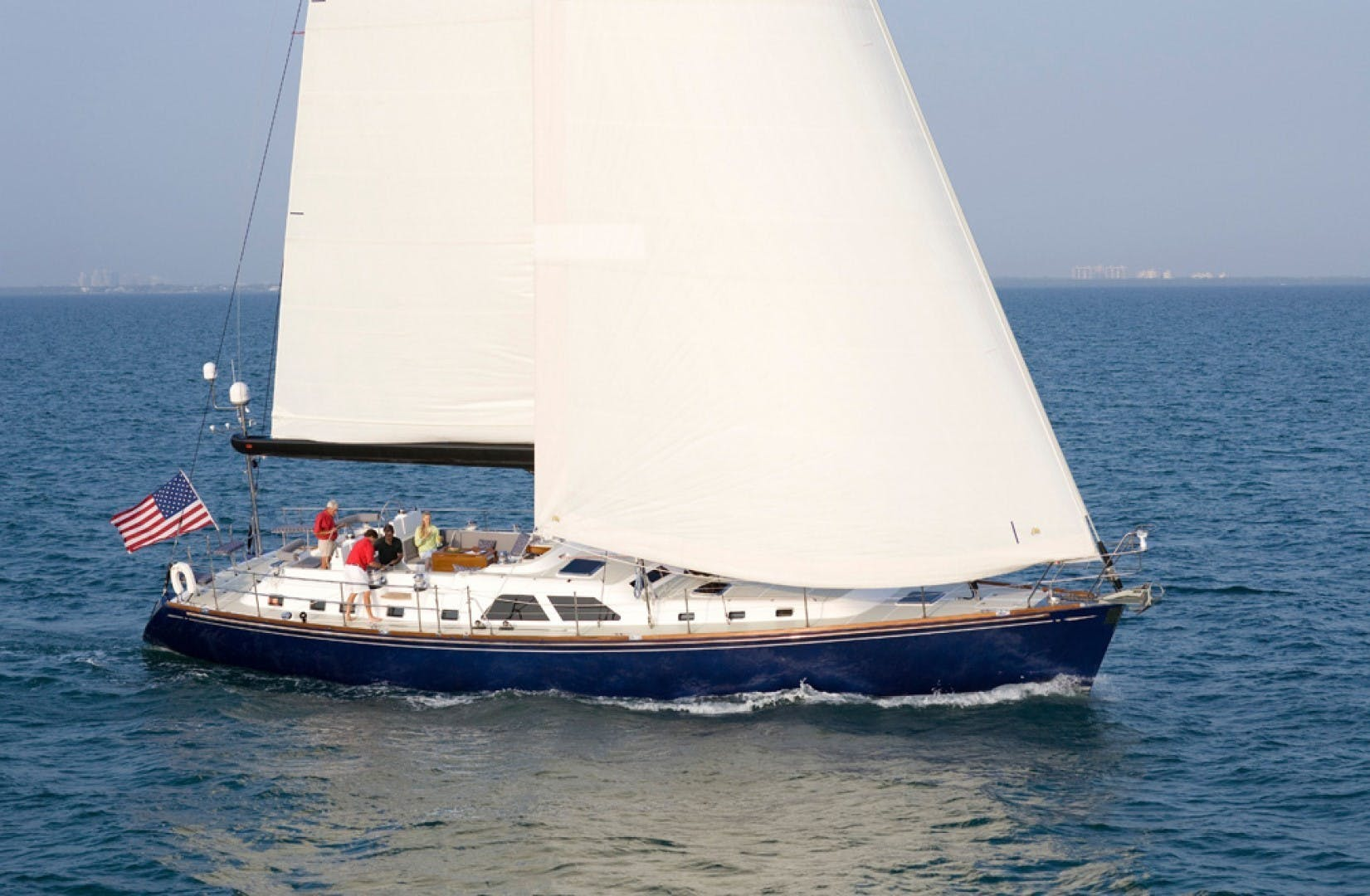 2009 Hylas 70' Hylas 70 THE ROYAL BLUE   Picture 1 of 50