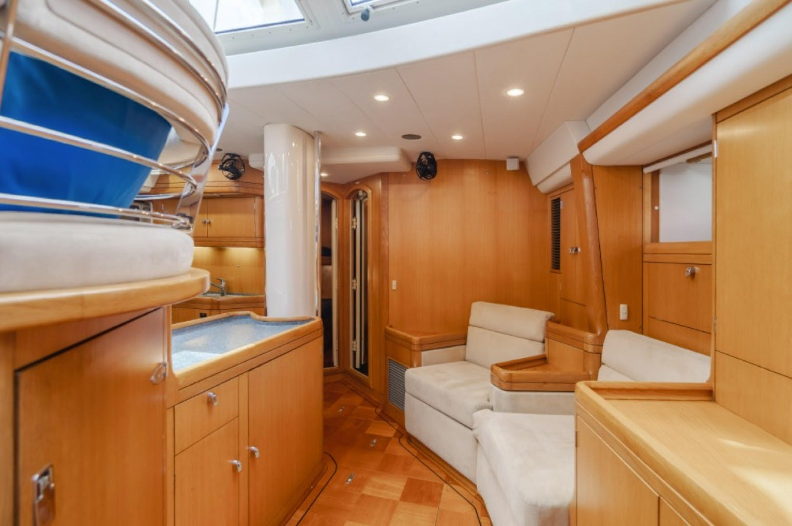 2002 Oyster 66' 66 Quest | Picture 1 of 37