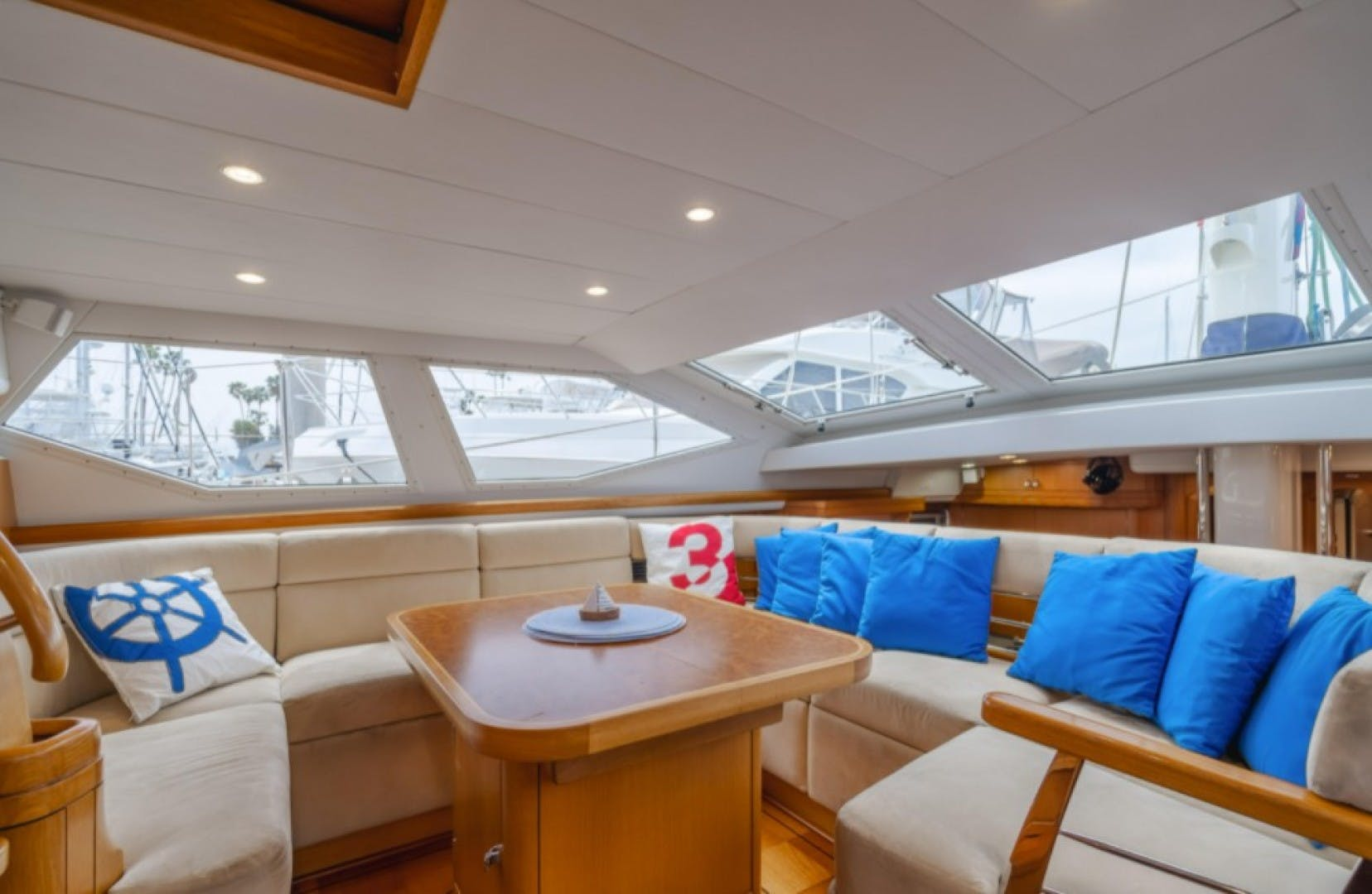 2002 Oyster 66' 66 Quest | Picture 6 of 37