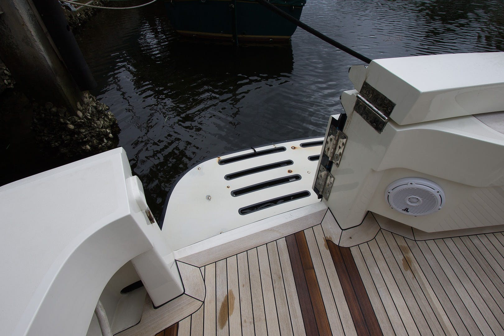 1989 Hatteras 65' Convertible Catch Me | Picture 8 of 39
