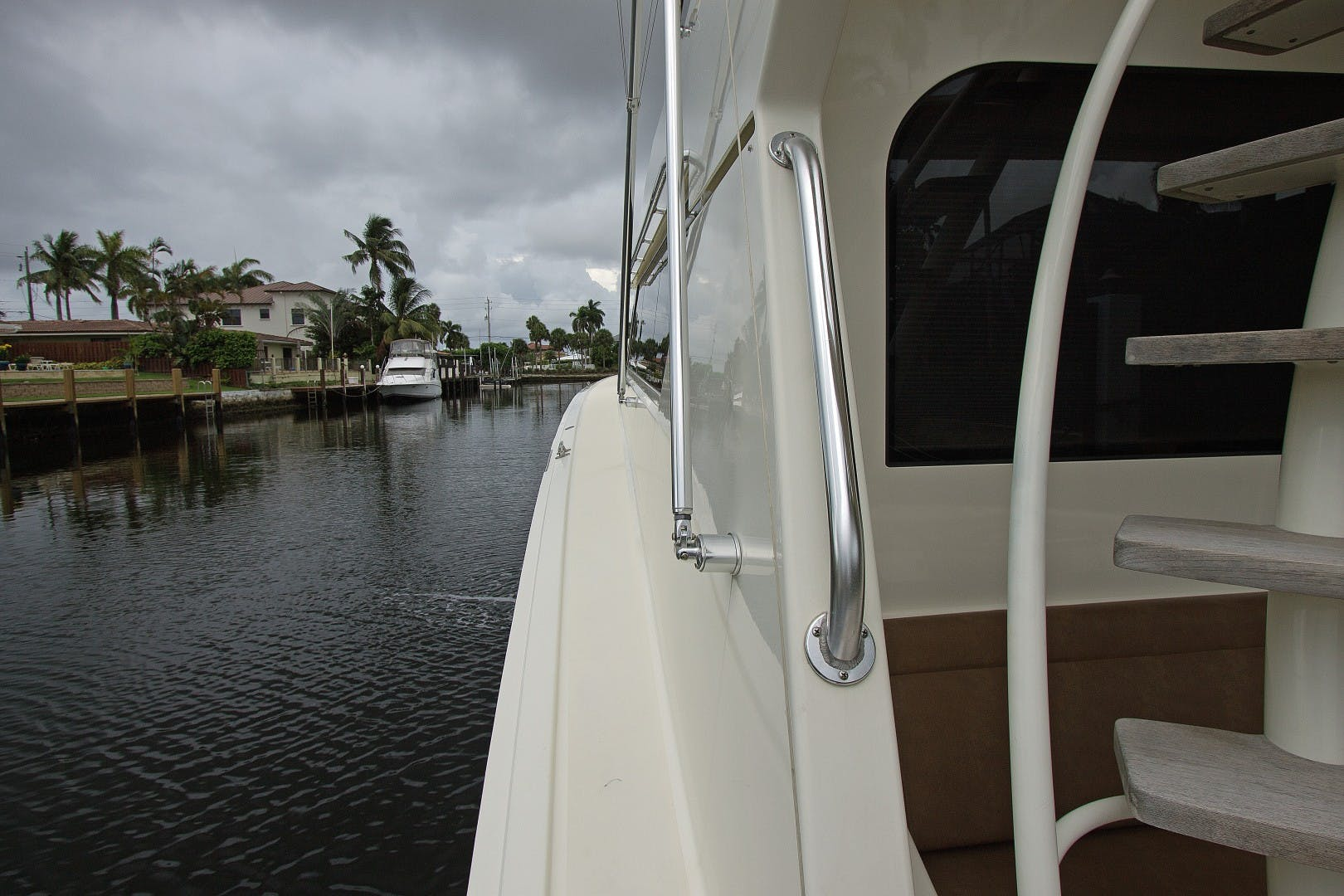 1989 Hatteras 65' Convertible Catch Me | Picture 4 of 39