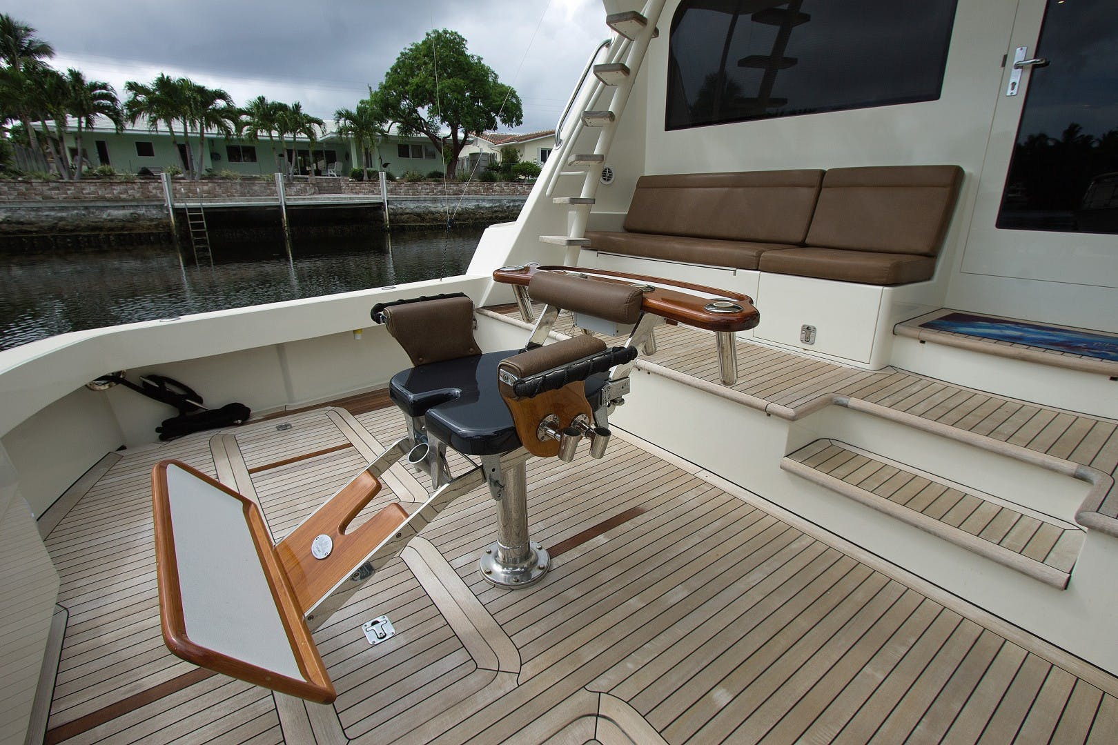 1989 Hatteras 65' Convertible Catch Me | Picture 5 of 39