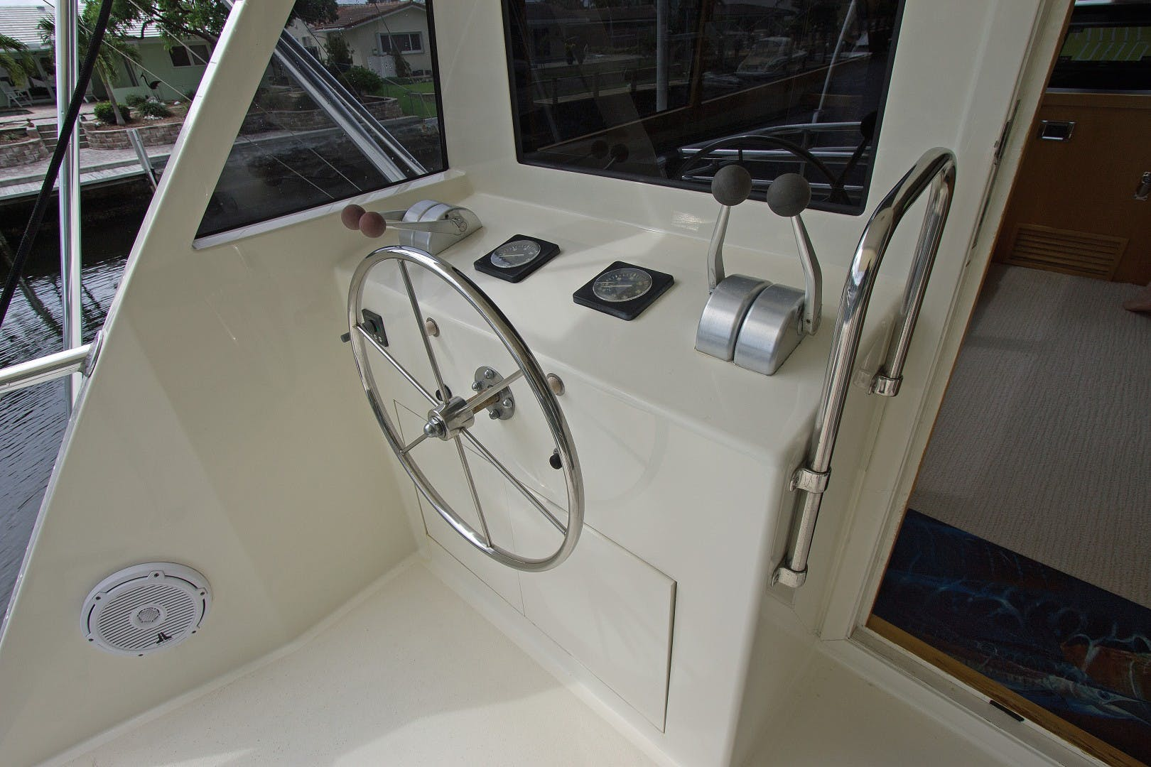 1989 Hatteras 65' Convertible Catch Me | Picture 7 of 39