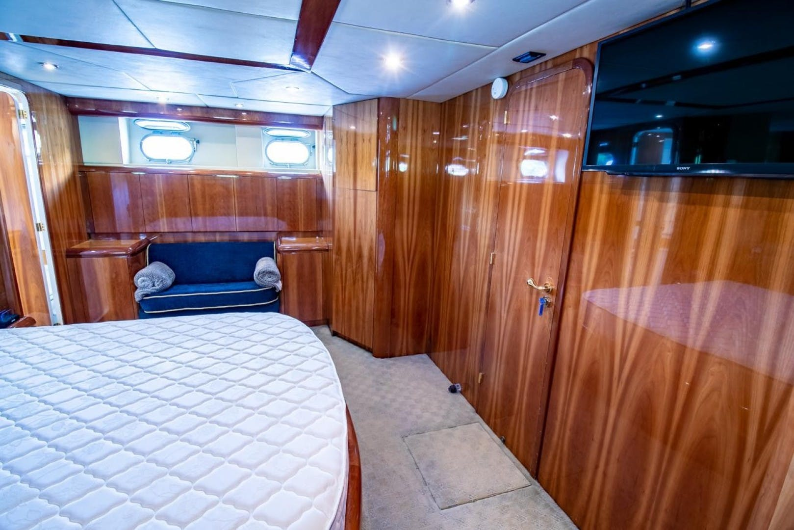 1994 Azimut 78'   | Picture 1 of 104