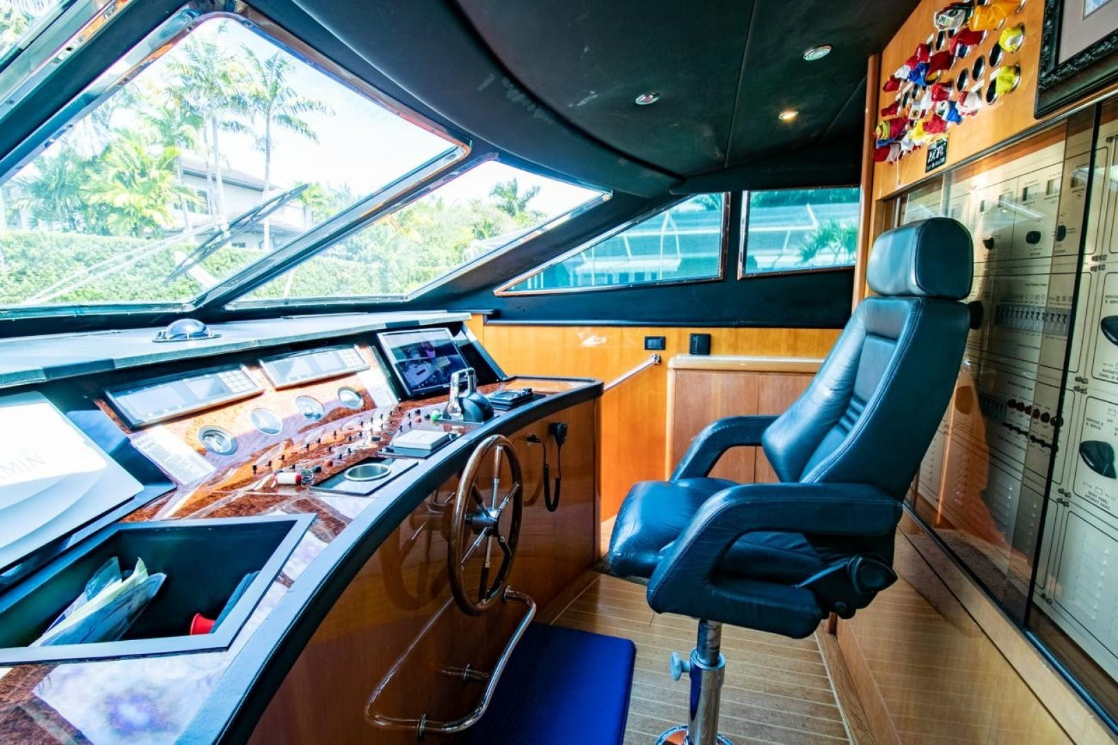 1994 Azimut 78'   | Picture 8 of 104