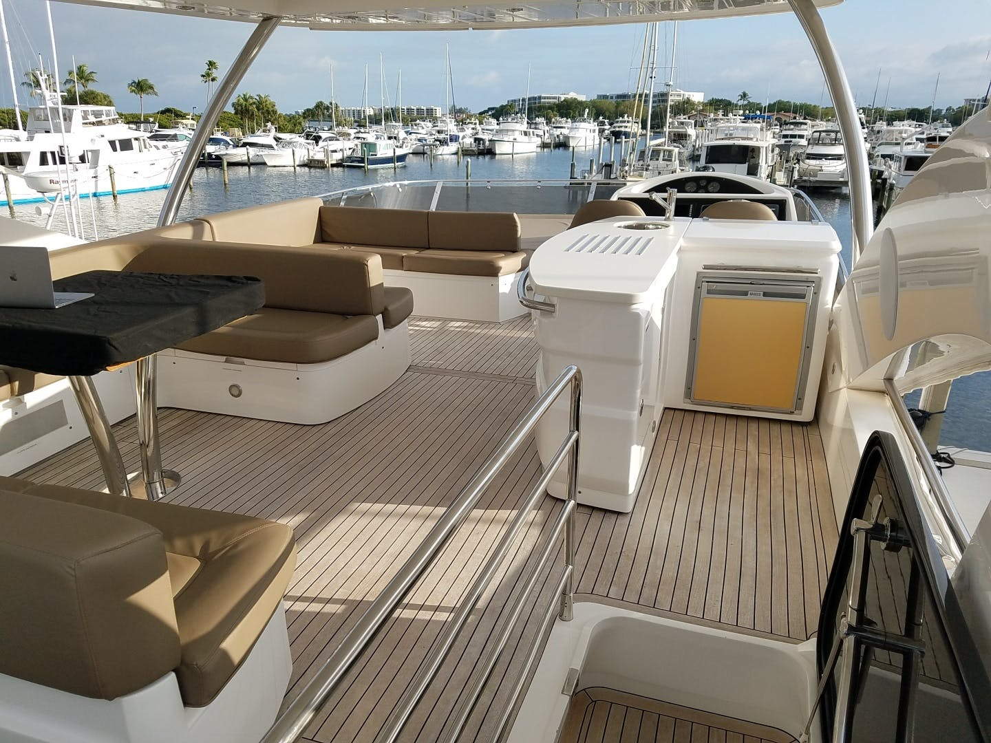 2014 Sunseeker 73'   | Picture 5 of 89