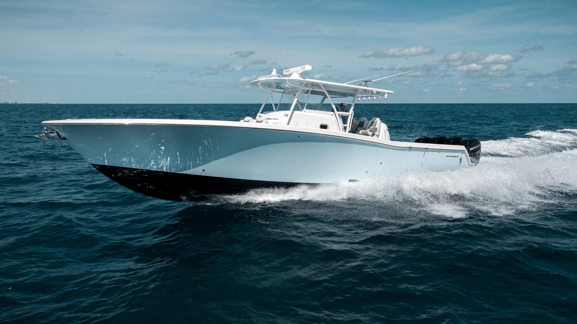42' Invincible 2018 42 Center Cabin ANGRY SQUID