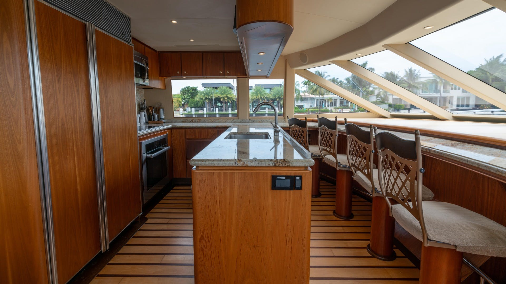 2003 West Bay 95'  VANQUISH   Picture 6 of 23