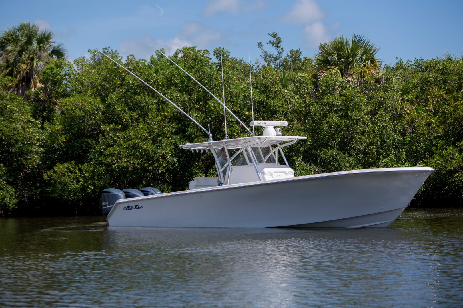 37' SeaHunter 2013 Center Console Dirty Work