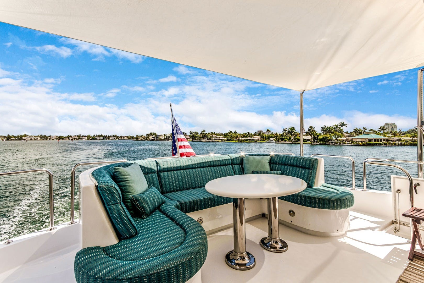 2012 Hatteras 80' Enclosed Bridge Motor Yacht OBSESSION   Picture 5 of 76