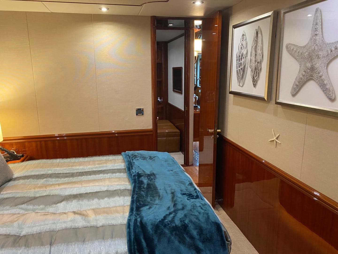 2004 Lazzara Yachts 106' Motor Yacht Passion | Picture 3 of 79