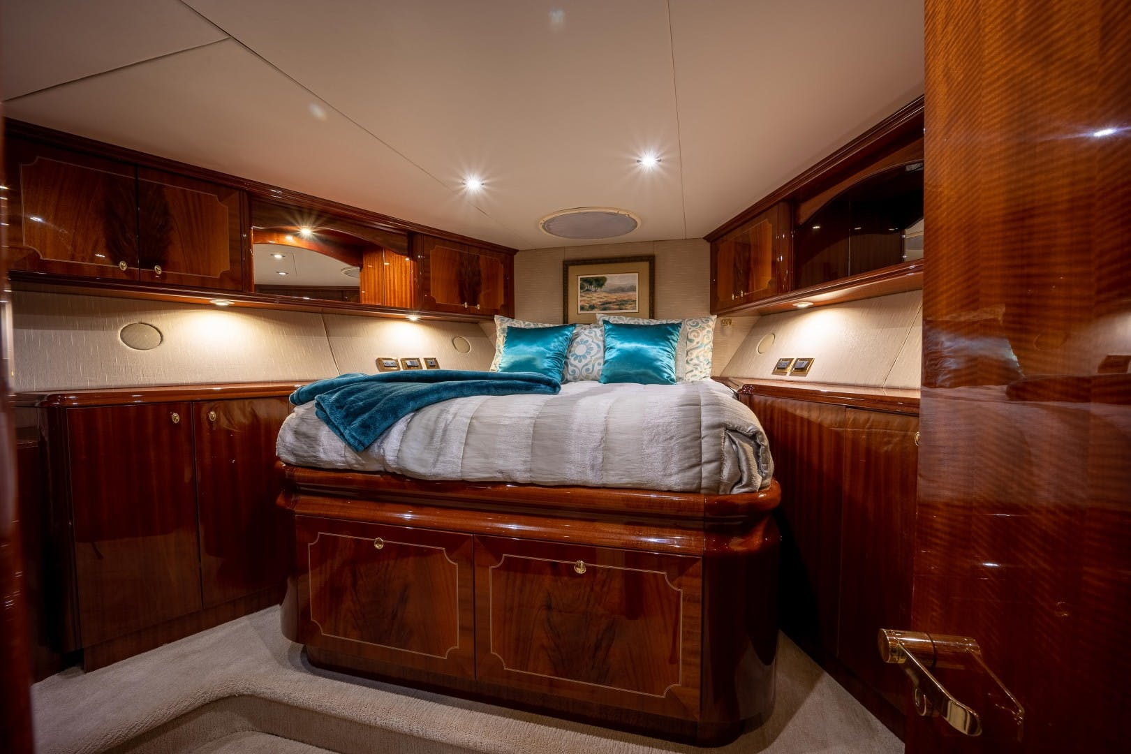 2004 Lazzara Yachts 106' Motor Yacht Passion | Picture 8 of 79