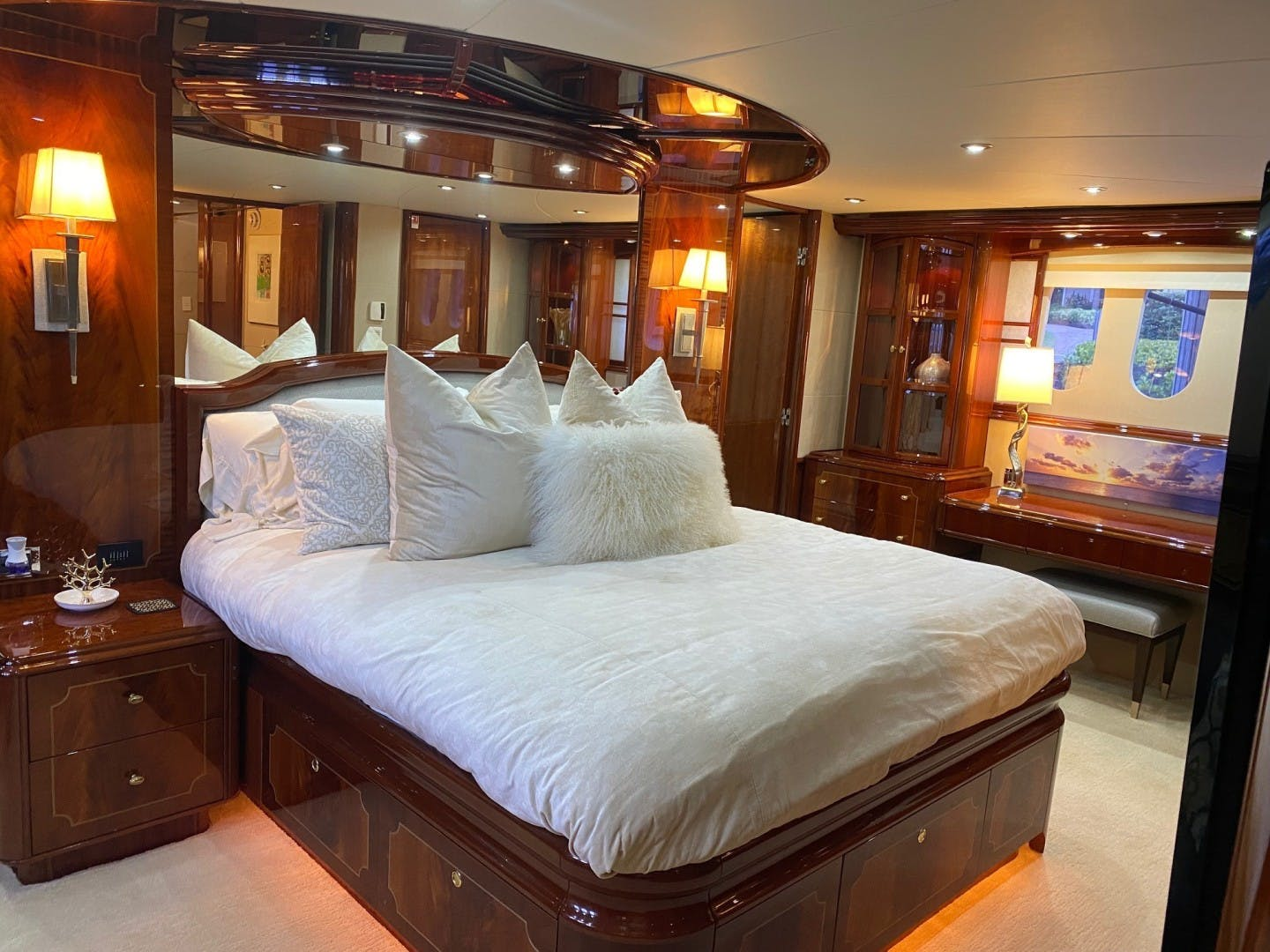 2004 Lazzara Yachts 106' Motor Yacht Passion | Picture 2 of 79