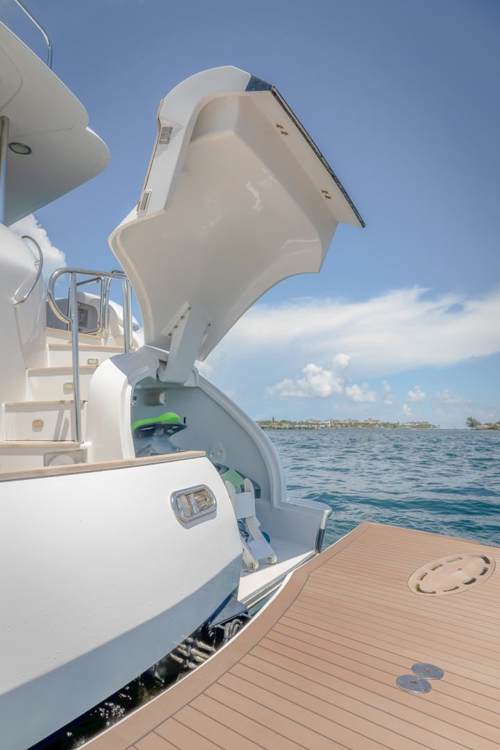 2004 Lazzara Yachts 106' Motor Yacht Passion | Picture 6 of 79