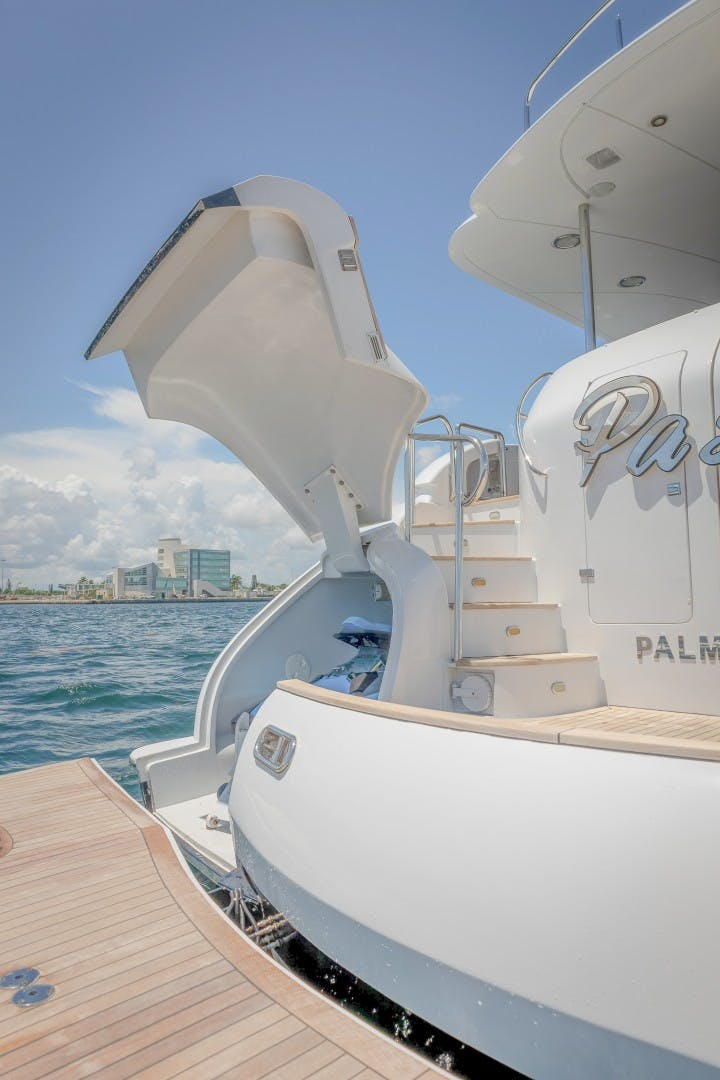 2004 Lazzara Yachts 106' Motor Yacht Passion | Picture 7 of 79