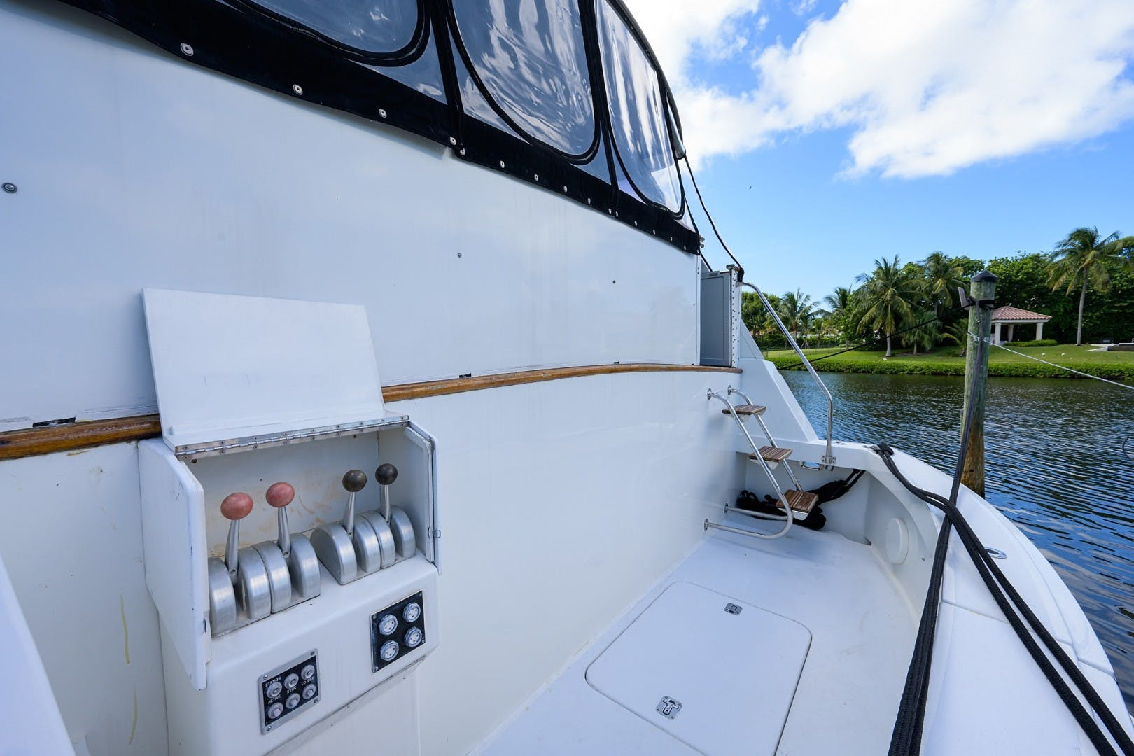1996 Hatteras 70' Cockpit Motoryacht GYPSY ROSE | Picture 1 of 44