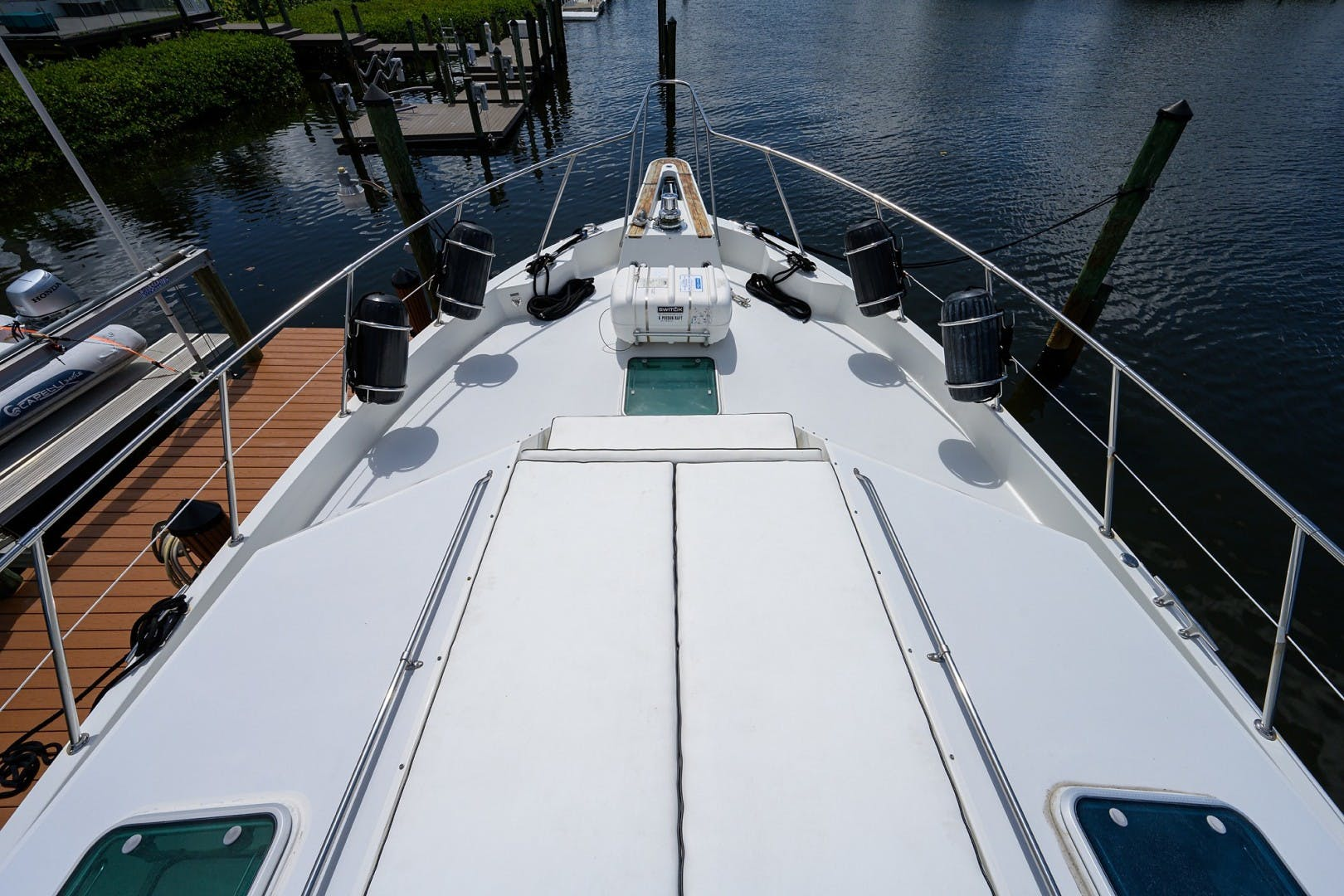 1996 Hatteras 70' Cockpit Motoryacht GYPSY ROSE | Picture 2 of 44