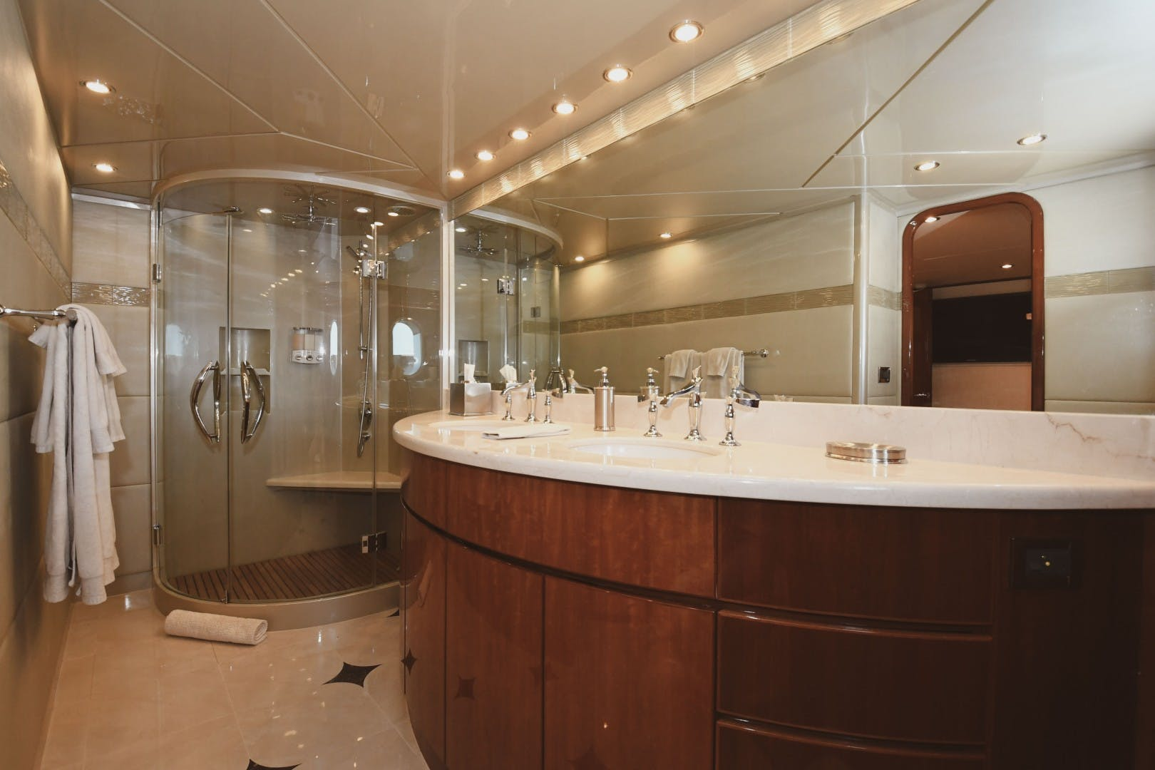 2006 Hargrave 105' 105 Motor Yacht Exit Strategy | Picture 8 of 69