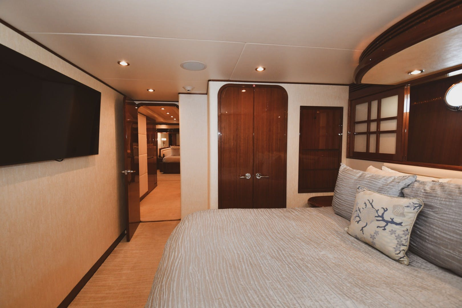 2006 Hargrave 105' 105 Motor Yacht Exit Strategy | Picture 7 of 69