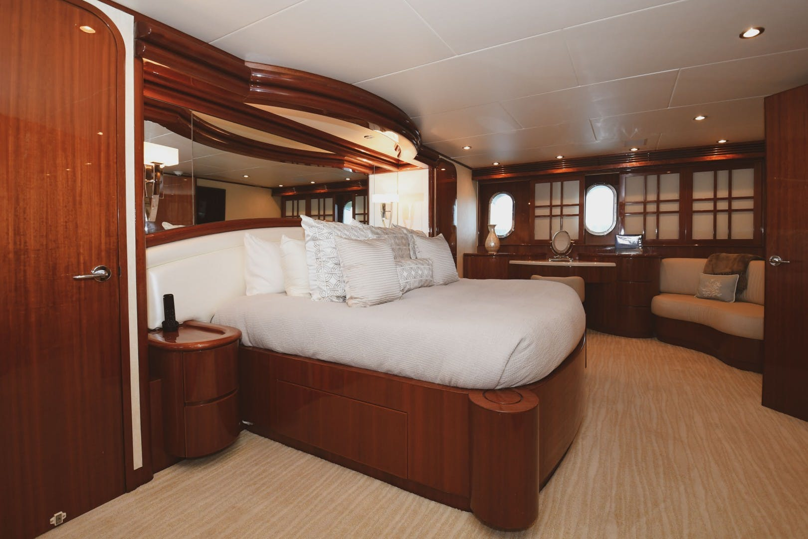 2006 Hargrave 105' 105 Motor Yacht Exit Strategy | Picture 6 of 69