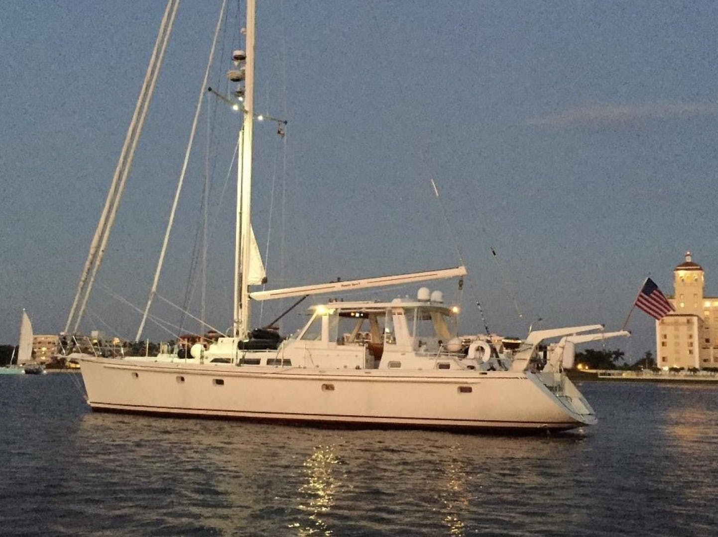 1993 Perry 67'  DANCIN BARE V | Picture 3 of 26