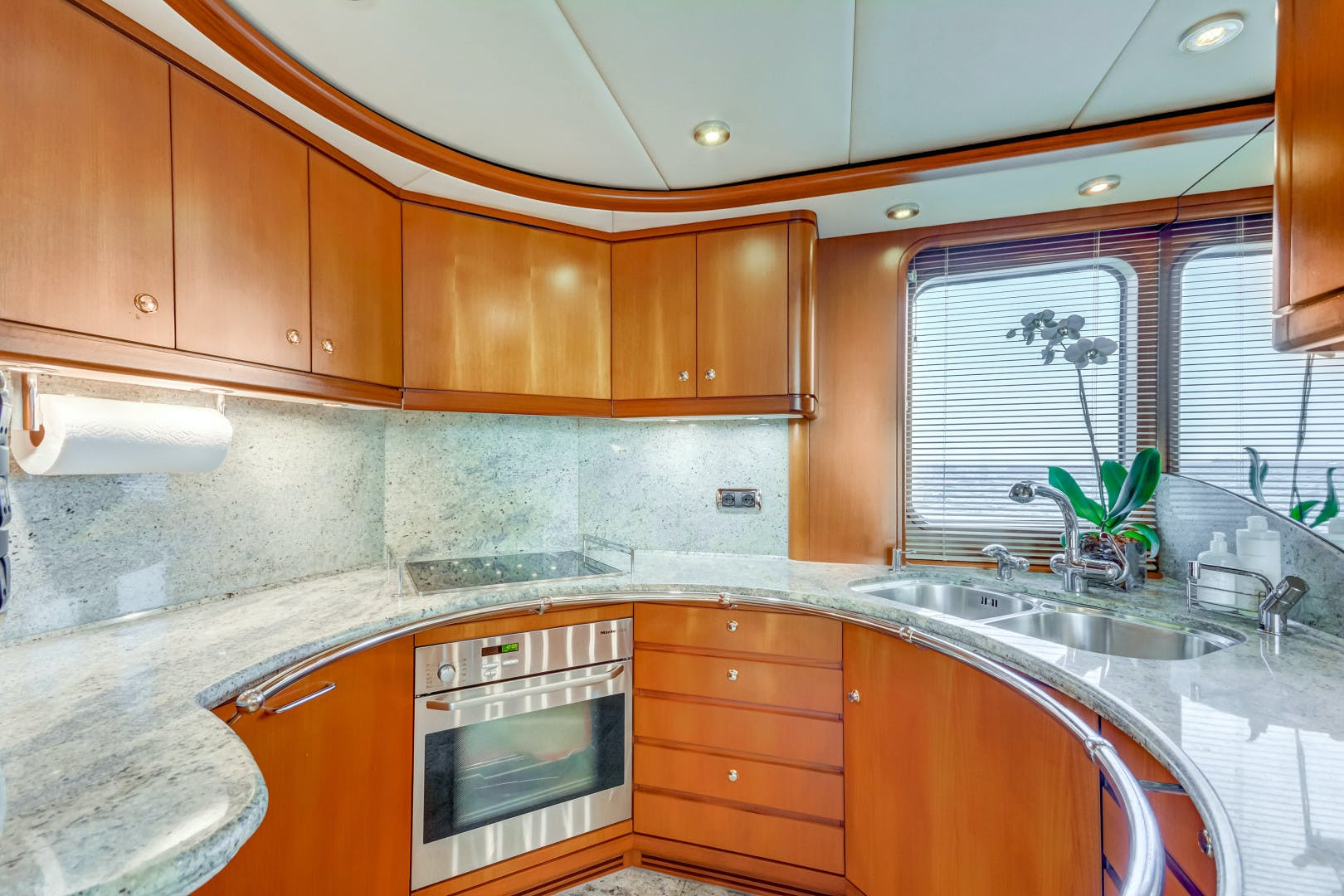 2002 Kuipers Woudsend 84' Raised Pilothouse LRC GUSTO | Picture 2 of 31